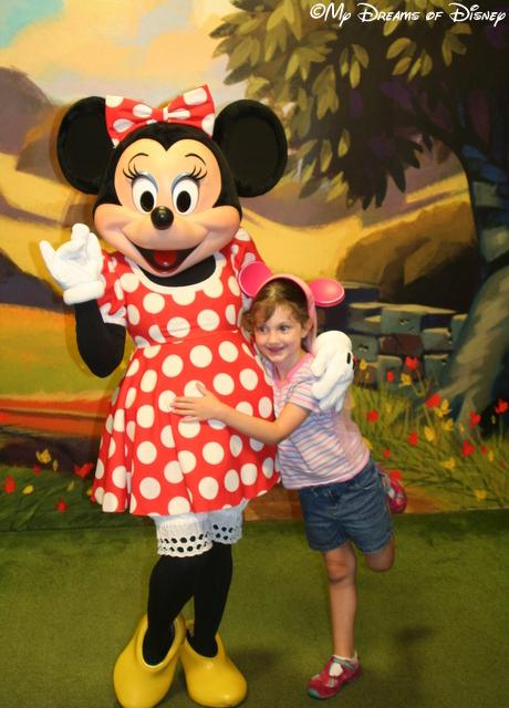Minnie & Sophie -- love how Sophie's leg kicks out!